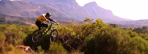 jerome clementz super fast on his cannondale jekyll