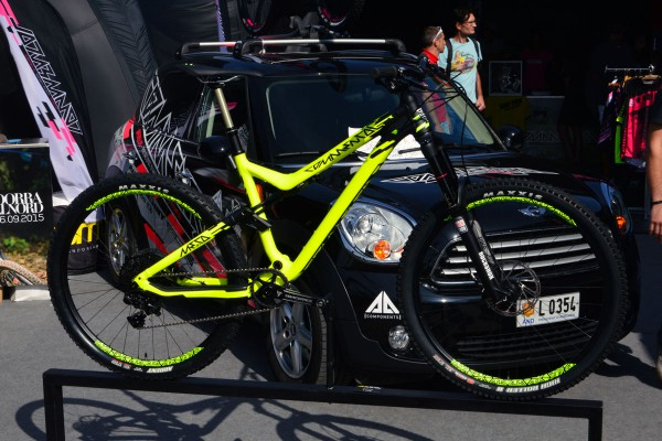 commencal meta V4 outdoor