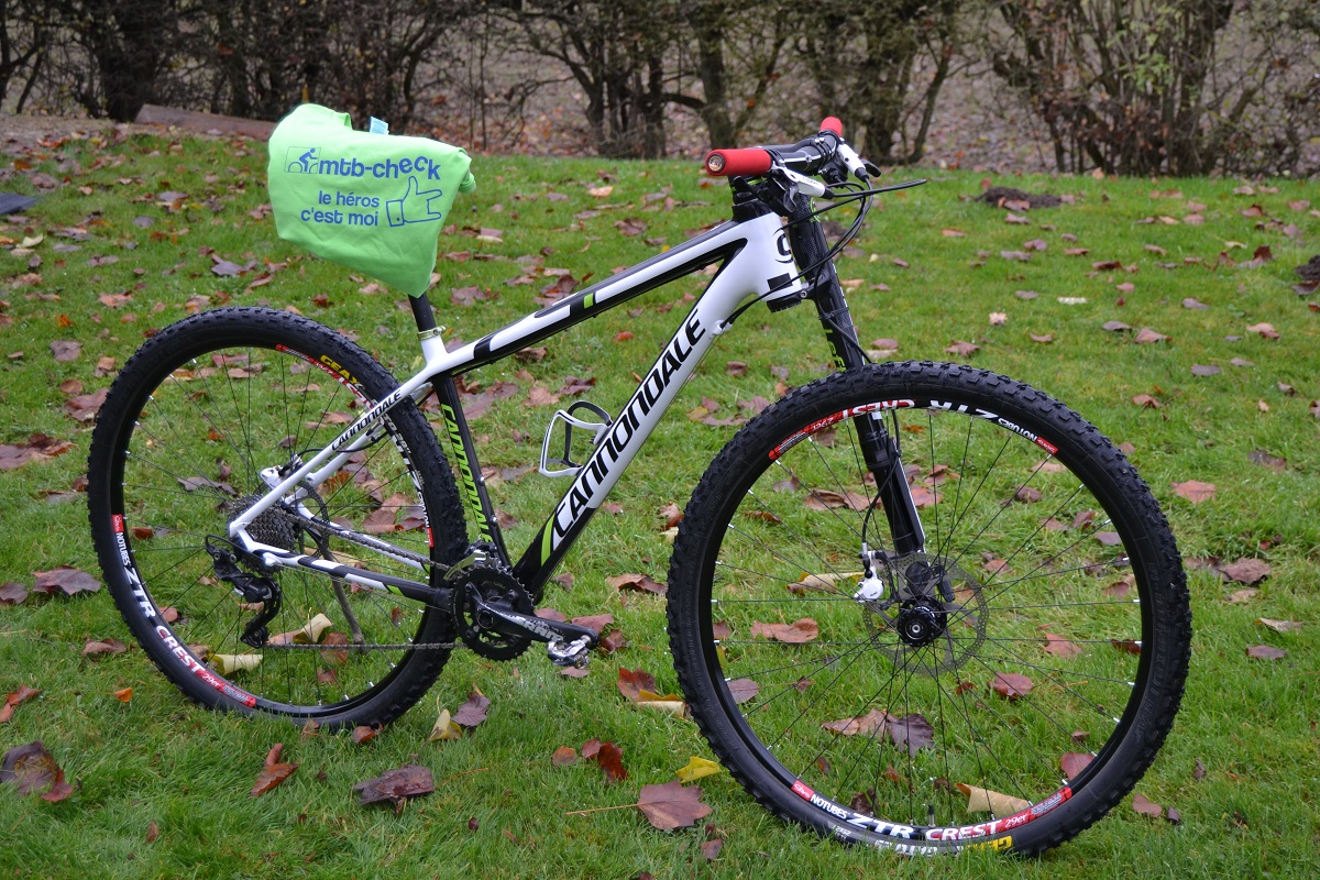cannondale avec fourche lefty