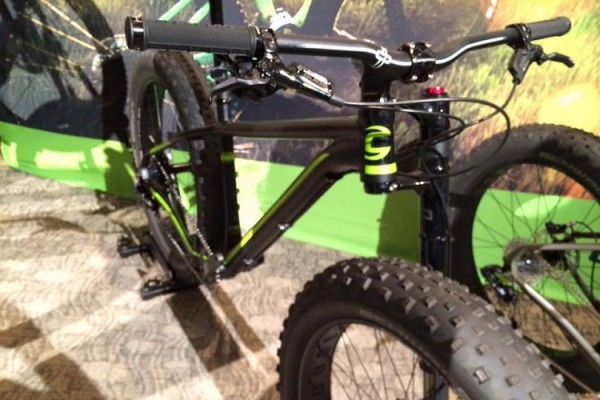 fatbike cannondale avec lefty