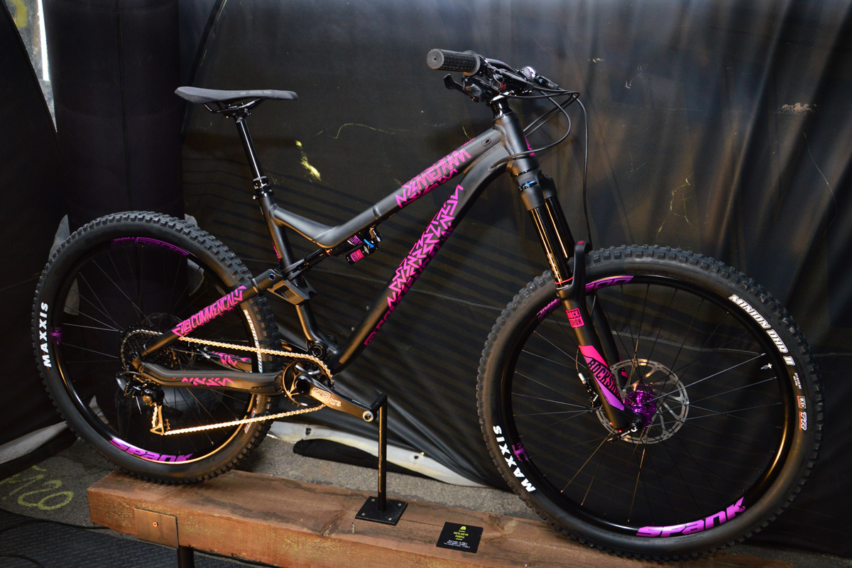 Commencal Meta AM V4 Purple