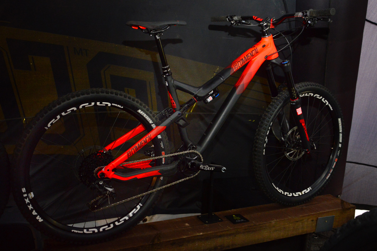 Commencal Meta AM V4 Race Red