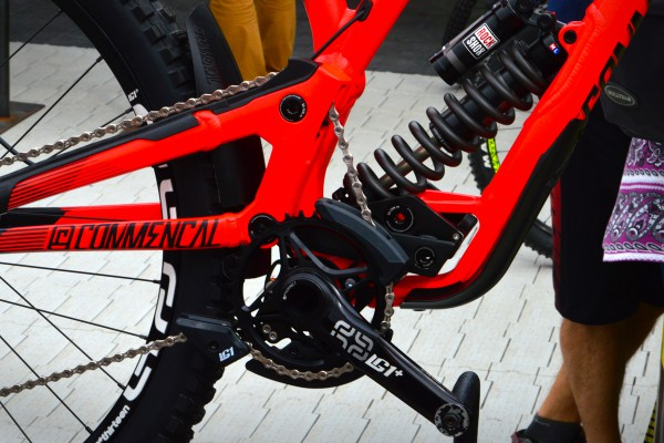 commencal-downhill-bike-2016