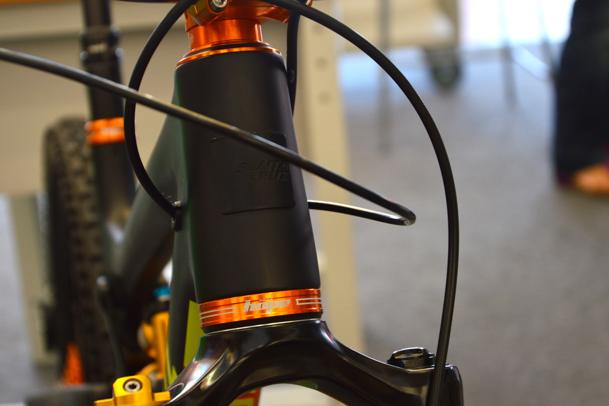 Bikecheck: Santa Cruz Nomad c Edition Hope Orange