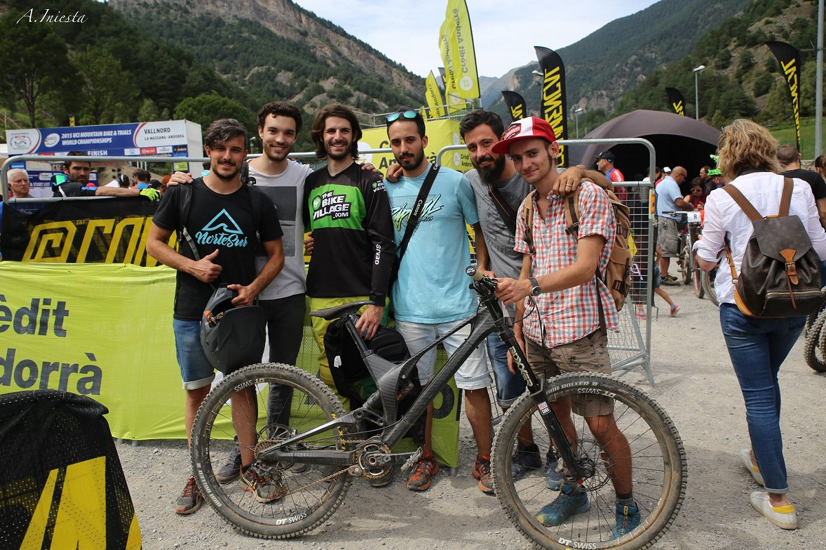 unno dh bike vallnord