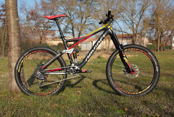 Hot ot not: Devinci Dixon de Florian