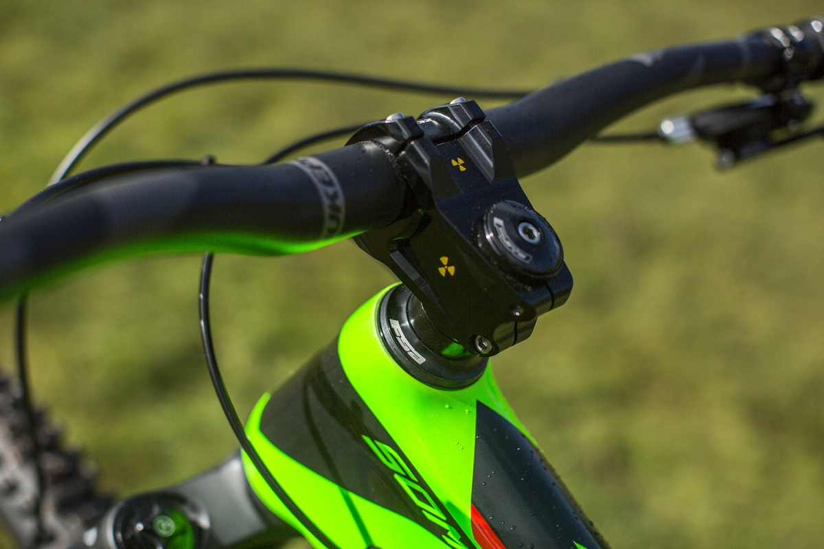 vitus sommet with nukeproof components