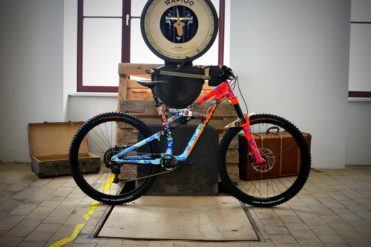 Wrapping sur Specialized Enduro