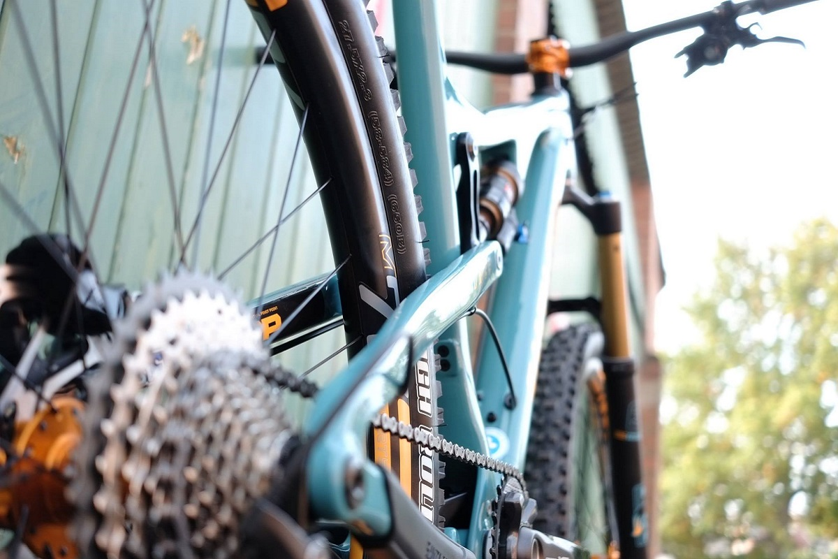 Hot or not: Santa Cruz Bronson CC par The Trailhead Bicycle Co